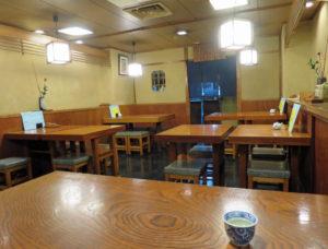 東京港区蕎麦店「竹泉」店内