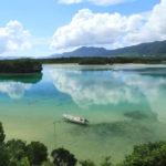 石垣島「川平湾」鏡面に映える夏雲