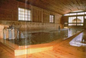 蓮台寺温泉「金谷旅館の千人風呂」千人風呂の全景